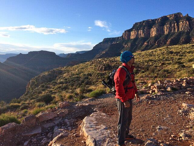 Asimismo es recomendable llevar una gorra, zapatos de hiking ligeros, y...