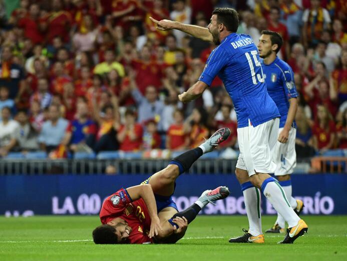 Con Isco en modo Real Madrid, España zarandeó a Italia y ya casi está en...