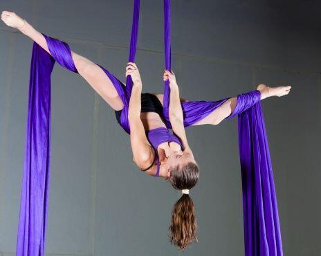 Por su parte, la danza aérea resulta ser una manera súper original y atr...