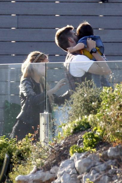Shakira y Piqué llevaron al pequeño Milan a la fiesta de cumple de la hi...