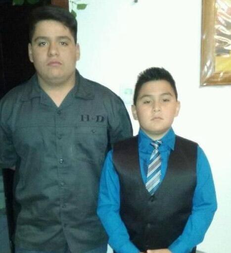 Leonardo y Alexis Cruz, de 13 y 10 años de edad