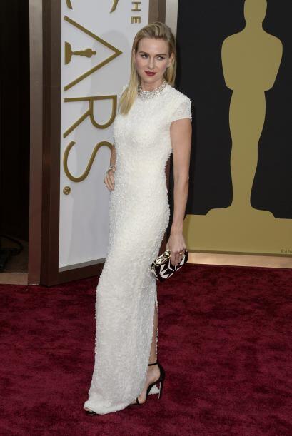 La actriz británica Naomi Watts llega a la 86 ª ceremonia anual de premi...