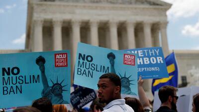 Así fue la dividida votación del veto migratorio de Trump que ratificó la Corte Suprema