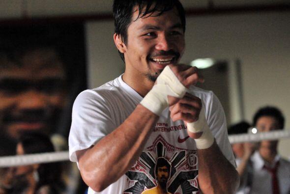 El filipino Manny Pacquiao trabaja en el en el 'Gimnasio Elorde' de Quez...