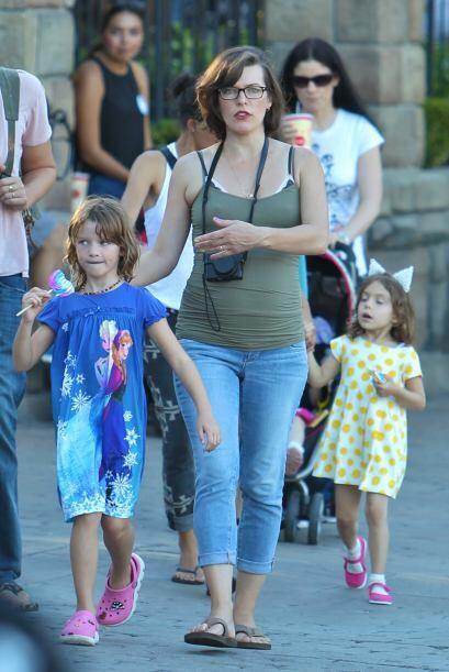 El productor y la actriz decidieron llevar a su hermosa hija Ever, quien...