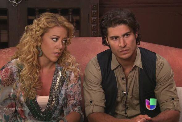 Rafa y Viviana le dicen a Camila que Daniel se siente excluido de la neg...