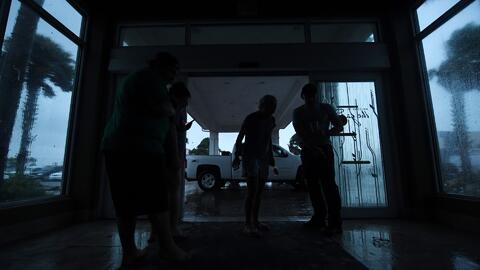 Una mujer dio a luz en su casa sin servicio de luz durante el paso del h...