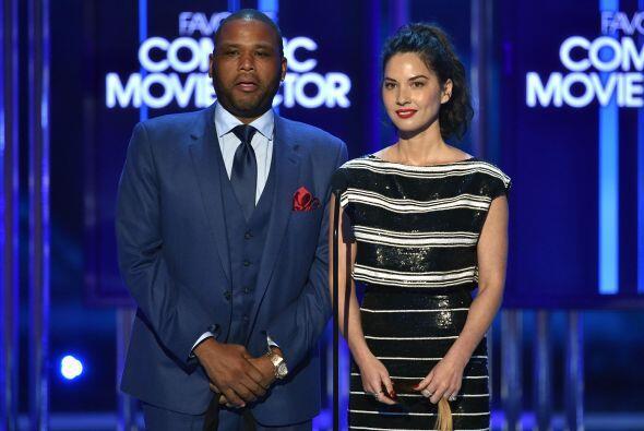 Anthony Anderson y Olivia Munn presentaron al actor favorito en comedia.