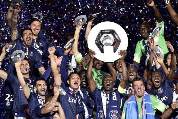 El París Saint-Germain conquistó el título de campeón de la Ligue 1 de F...