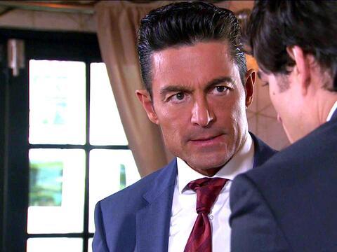 En Pasión y Poder, Arturo denunció a Eladio y la polic&iac...