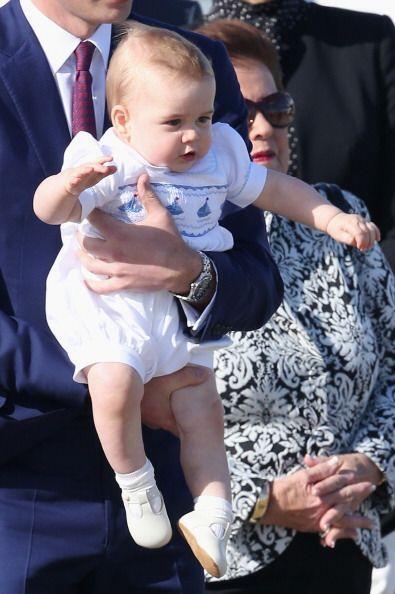 Es el tercero en la línea de sucesión al trono británico.