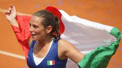 Roberta Vinci derrotó a la checa Sarafova para darle a Italia el pase a...