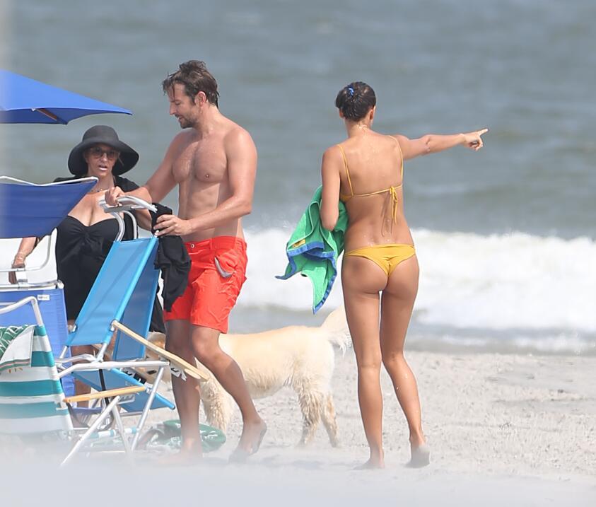 Irina Shayk ya conoce a la madre de Bradley Cooper TID_BCAISE150906_11.JPG