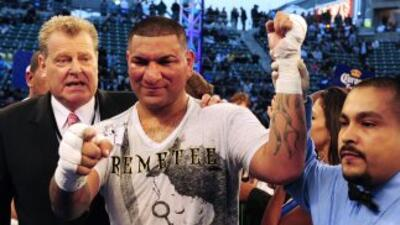 Chris Arreola derrotó a Friday Ahunaya por decisión unánime en 10 rounds.