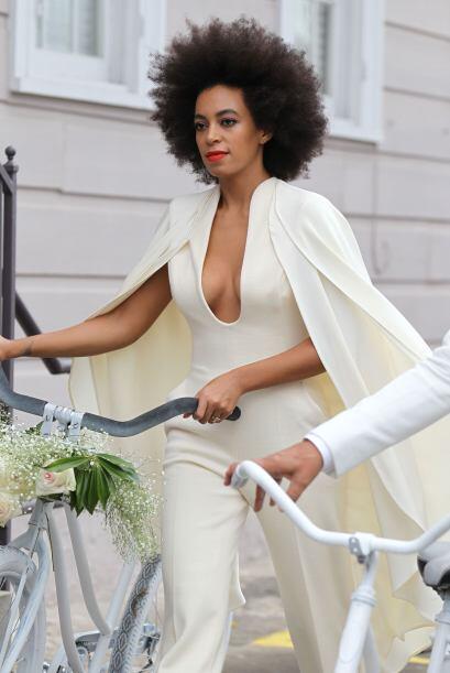 La hermana de Beyoncé lució un traje Humberto Leon, de la...