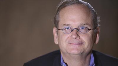 Larry Lessig: nuestra democracia es la de una república bananera