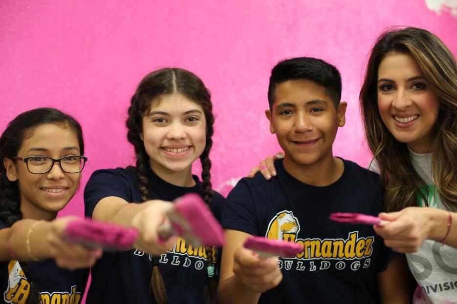 El equipo de Univision 62 se unió a los esfuerzos de la secundaria Herná...