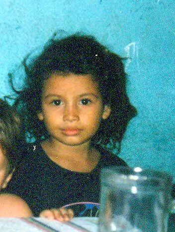 """""""No tuve niñez como una niña normal. No tenía..."""