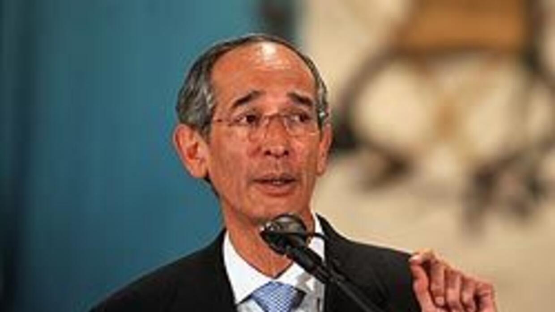 Ola de renuncias sacude a gobierno guatemalteco de Álvaro Colom f5b734ea...