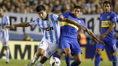 Golazo del colombiano Martínez da el triunfo al Racing sobre Boca Juniors