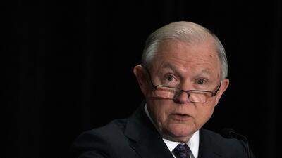 """Pastora del fiscal Sessions predica sobre """"la tormenta"""" de rechazo a la política de 'tolerancia cero'"""