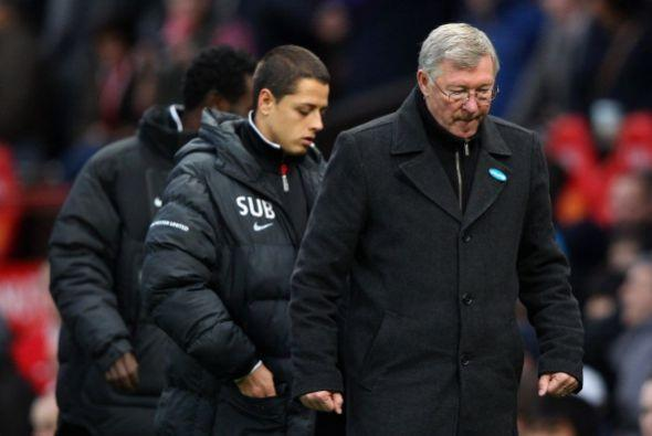 Ferguson y Javier Hernández se retiraron de la cancha con la mira...