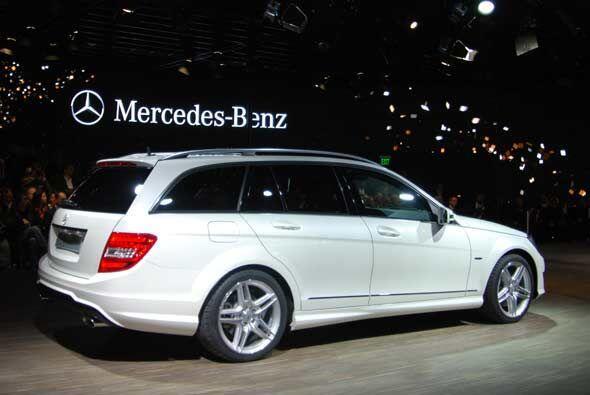Y como todos los autos de Mercedes-Benz, el C-Class cuenta con diversas...