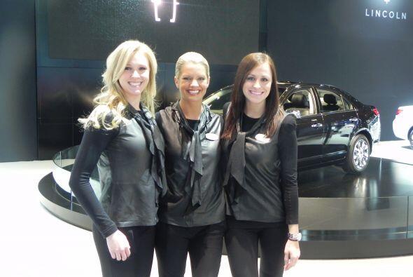 Un trío de bellezas posaron para la foto desde el área de Lincoln.