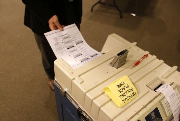 Hay más de 238 millones de adultos con el derecho al voto en EEUU...