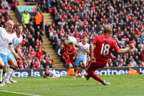 En otro de los juegos, Liverpool no pasó del empate con  el Aston Villa.