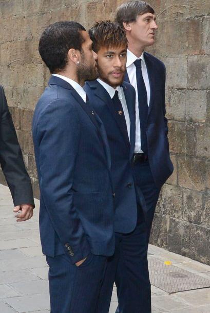 Neymar y Dani Alves también mostraron su respeto por el que fuera su ent...