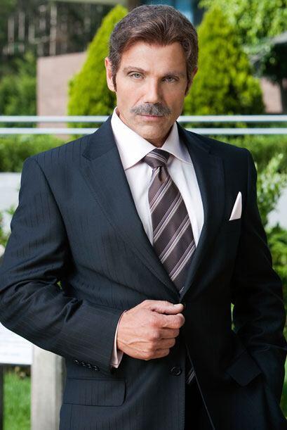 Manuel Landeta es Rubén, un hombre maduro y con doble moral. Aparenta se...