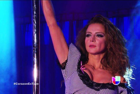 Muy bien Ana, nos encanta verte bailando.