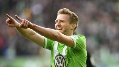 Wolfsburgo goleó con triplete de Schürrle