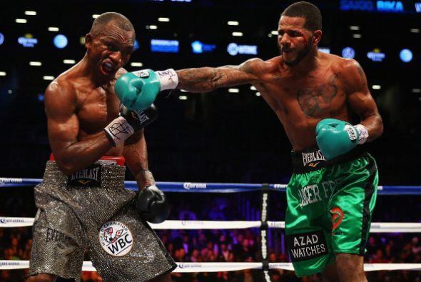 Los jueces vieron una pelea muy pareja: 114-112 Bika, 116-110 Dirrell, 1...
