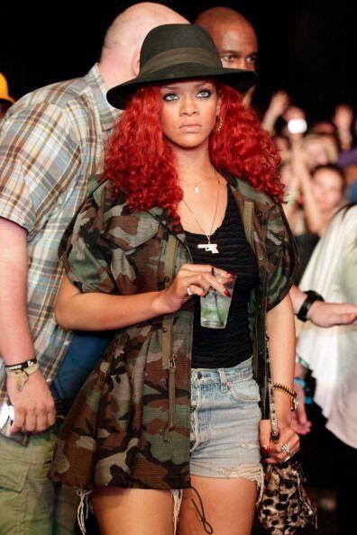 Rihanna por su parte, es una mujer más atrevida e intrépida, ¡pero no po...
