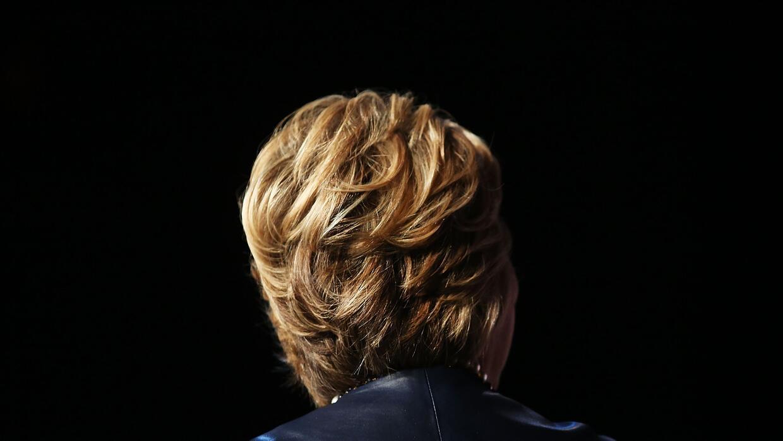 Los antiguos 'affaires' de su marido persiguen ahora a la candidata