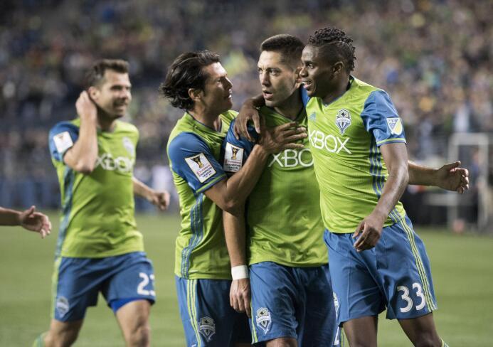 Seattle Sounders celebra el golazo de Clint Dempsey