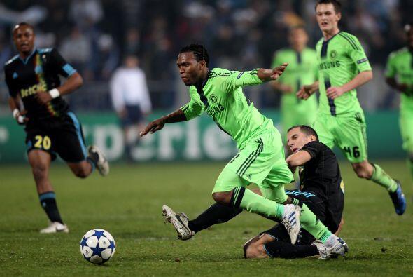 Los ingleses veían como pasaba el tiempo y el gol no llegaba.