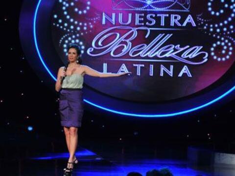 Durante la tercer gala, Giselle lució un vestido bicolor de la di...