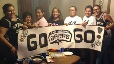 Fanáticos de SA listos para el juego de los Spurs