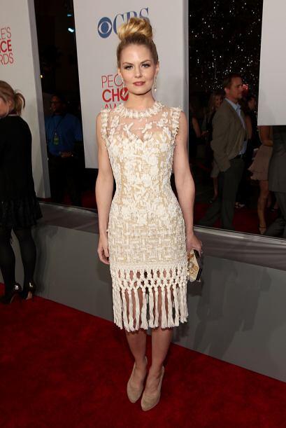 Jennifer Morrison apostó por un lucir clásica, elegante y lo logró graci...