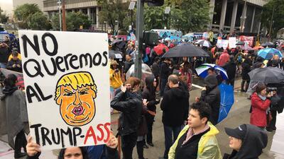 En fotos: miles protestaron en Los Ángeles por el comienzo de la presidencia de Trump