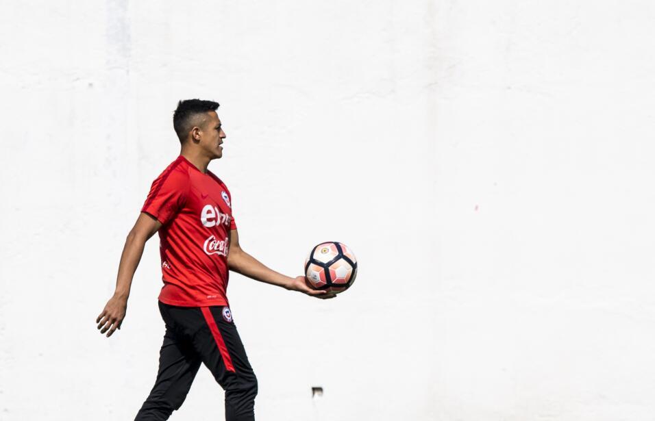 La Chile de Alexis Sánchez y Arturo Vidal está sobre las cuerdas en la E...