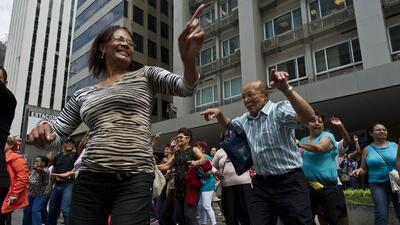 El swing latino es bueno para la salud, según estudio GettyImages-182606...