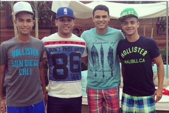 Thiago Silva compartió esta foto con sus amigos durante sus vacaciones t...
