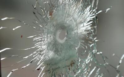 Joven permanece en estado crítico tras ser baleado frente a su casa en e...