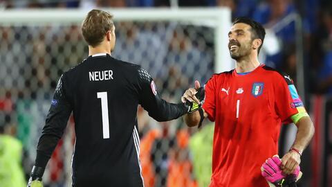 Gianluigi Buffon y Manuel Neuer
