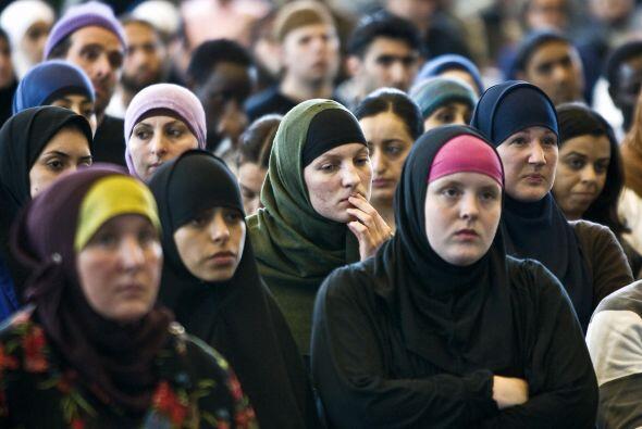 El Islam está compuesto de cinco pilares que son actos de adoración obli...