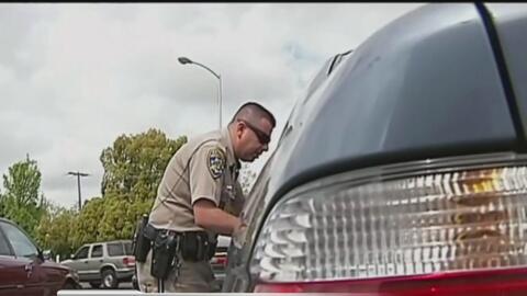 Discriminación por parte de la policía al realizar paradas de tránsito